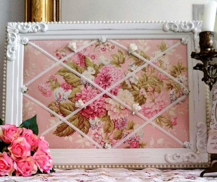 best 25 shabby chic frames ideas on pinterest shabby chic picture frames ornate picture. Black Bedroom Furniture Sets. Home Design Ideas