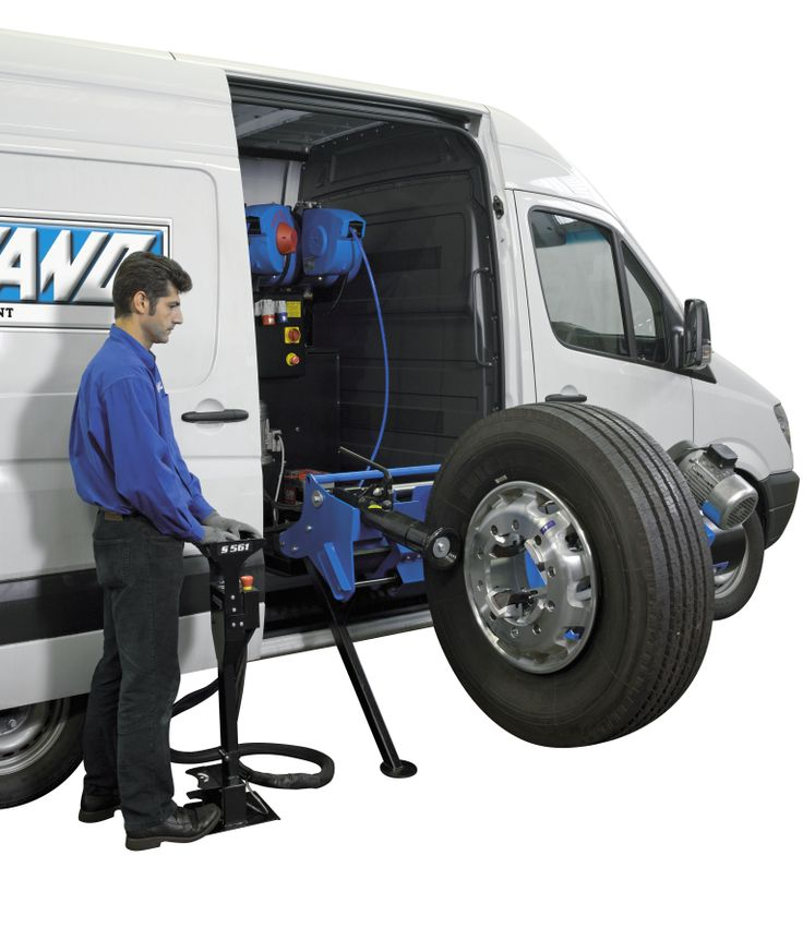 S 561: Universal tyre-changer for heavy duty mobile-service