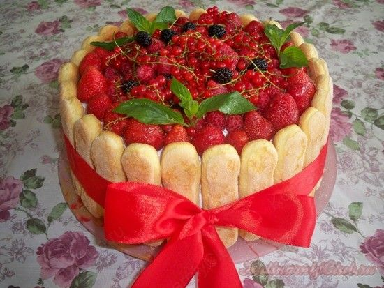 Йогуртовый торт с ягодами и с печеньем савоярди on http://kulinarniyclub.ru