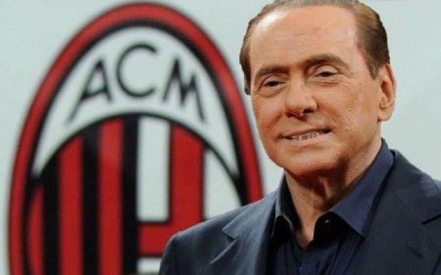 BERLUSCONI STUFO DI MIHAJLOVIC LANCIA QUESTA FRECCIATA Non è facile per gli allenatori del Milan andare d'accordo con Berlusconi e questo si sa da tempo. Ora tocca a Mihajlovic, che non sta convincendo il patron dei rossoneri, tanto da lanciargli freccia #berlusconi #mihajlovic