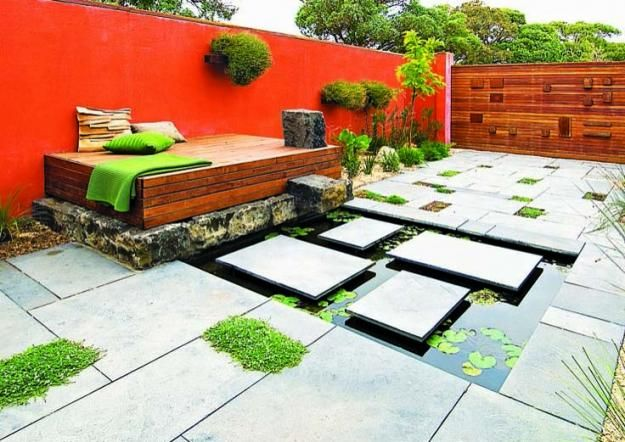 Jamie Durie developed the original concept for The Outdoor Room in Australia in 2008. His approach combines sustainability by creating well-lived-in outdoor rooms, as seen at this Melbourne residence.