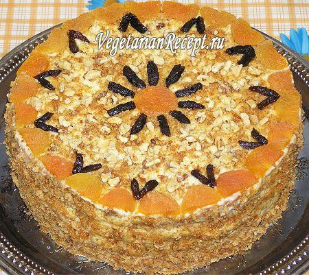 """Очень вкусный вегетарианский торт """"Аленушка"""", который готовится без яиц. Подробный рецепт с фотографиями поможет вам с легкостью приготовить этот потрясающий торт."""