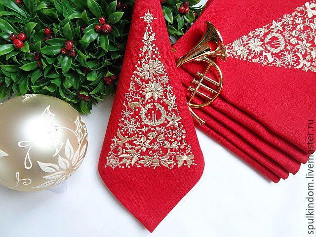 """Купить Новогодние Салфетки с Вышивкой """"Кружевная ель"""" на красном - ярко-красный, красный, новогодний подарок"""