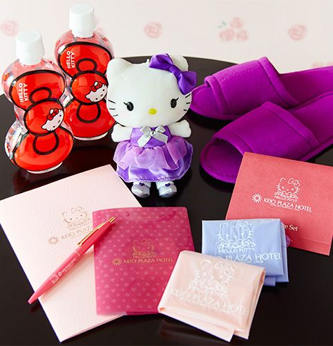 Hello kitty Room Hello Kitty letter writing sets Keio Plaza Hotel original Hello Kitty doll Hello Kitty ribbon water Hello Kitty pen Hello Kitty plastic bag Hello Kitty skin care set Guests of Hello Kitty room in Tama may take home following amenities: Original Hello Kitty doll, Hello Kitty plastic bag and Hello Kitty pen. *Amenities may change without advanced notice.