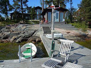 Stockholm Schären, modern Haus mit Meerblick, See Hütte , Dock und Ruderboot