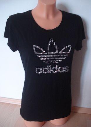 Kupuj mé předměty na #vinted http://www.vinted.cz/damske-obleceni/tricka/8245303-adidas-damske-triko-s-kaminkama