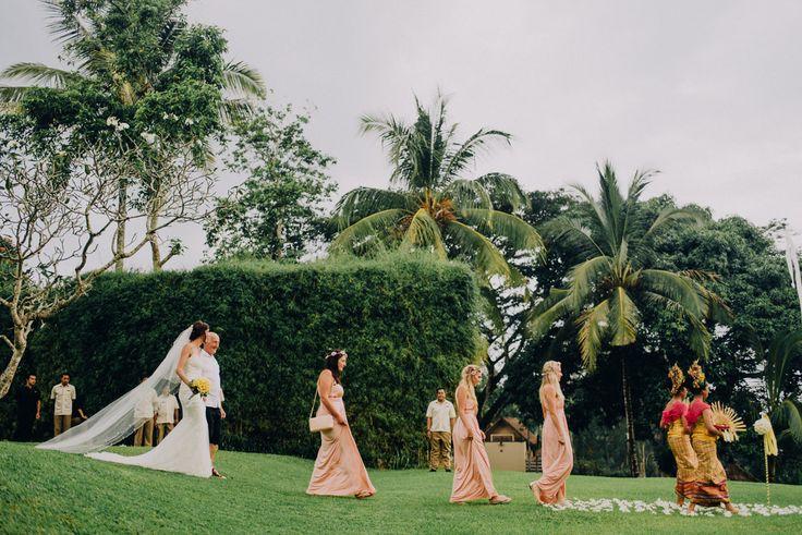 Into the Aisle / Wedding Photographer / David & Jennifer