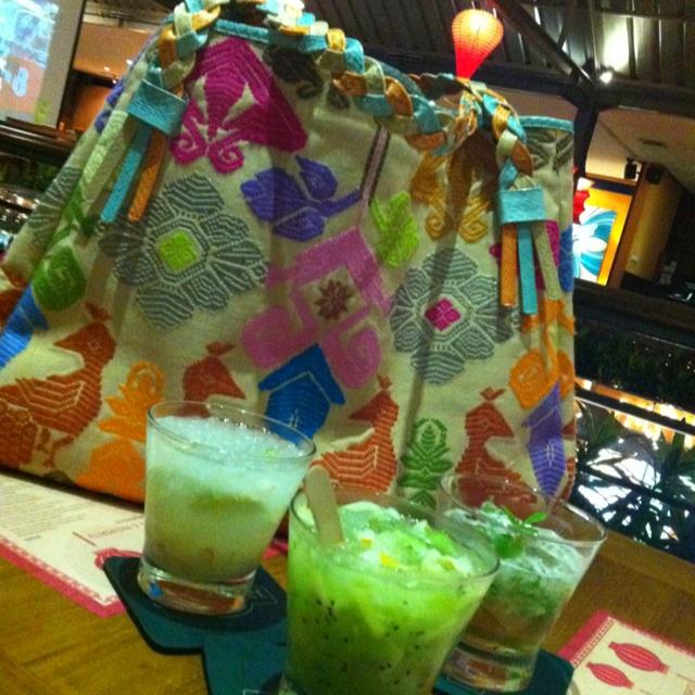 Envy Batik bag type : shine 8 materials : Songket Bali handle : cobra & phyton skin