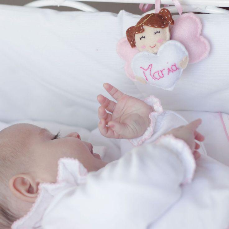 Para proteger o ano inteiro com o nome ou uma mensagem de amor. <3  #pulguinhas #maternidade #babystuff