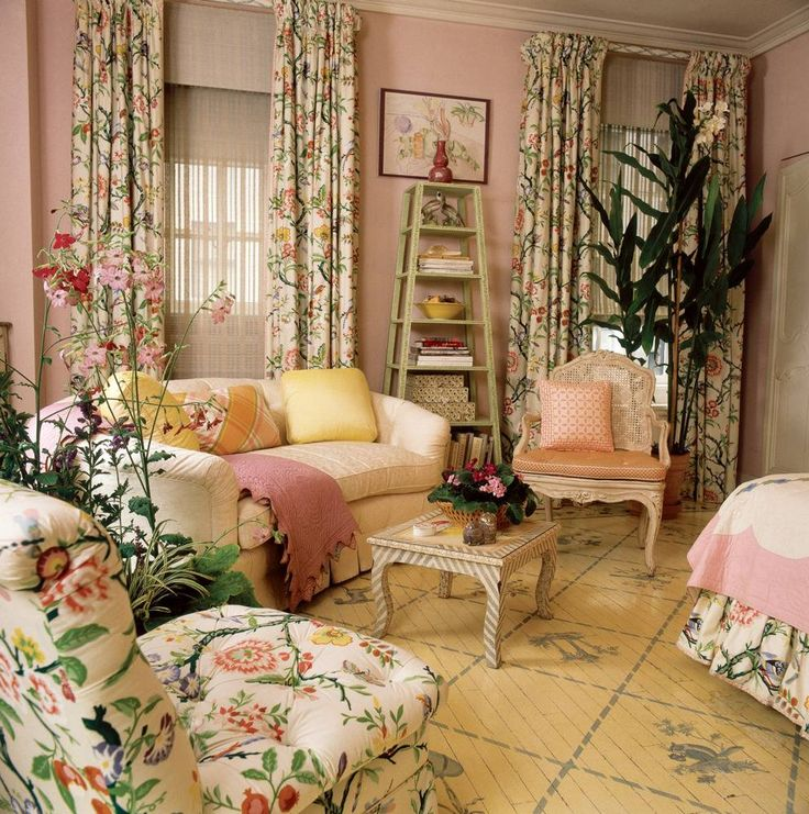 See more images from chintz revival on domino.com