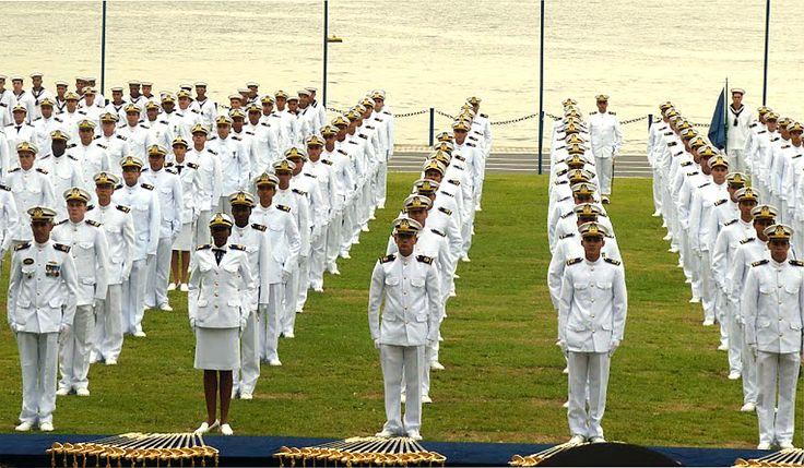 A Marinha do Brasil acaba de publicar o Edital para o Concurso Público do Corpo Auxiliar de Praças (CAP), destinado a brasileiros de ambos os sexos. Para concorrer a uma das 90 vagas, é necessário ter 18 anos completos e menos de 25 anos.   #ConcursoPúblico #Marinha #Trabalho