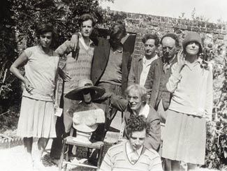 The Bloomsbury group.. Vanessa Bell, Duncan Grant, Roger Fry. British modernist theory