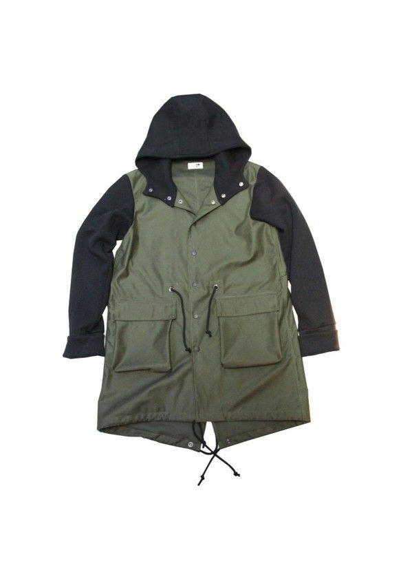 CO-03定番モッズコートをtaRoらしく作りました。布帛とニットのtaRo人気の異素材の組み合わせですフードと袖をスウェット素材で切り替え、リラックス感のあ...|ハンドメイド、手作り、手仕事品の通販・販売・購入ならCreema。