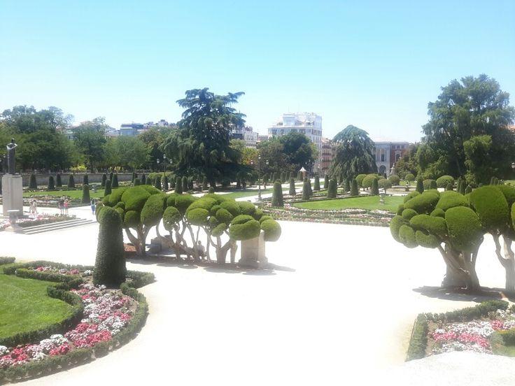 Retiro park , madrid