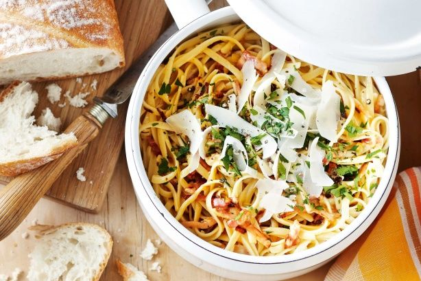 This Creamy garlic and bacon linguine can be on the table in just 30 minutes.