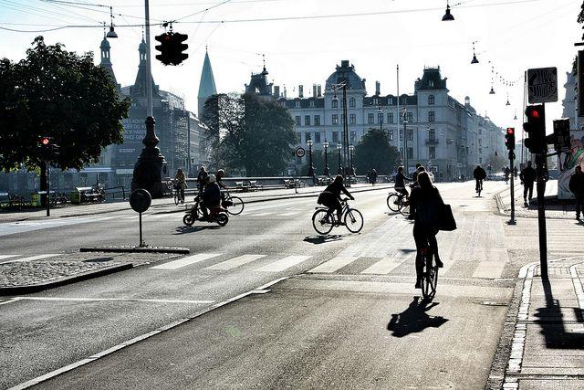 Kopenhagen - cross-way (cc) | Flickr - Photo Sharing!                                     By Martin Fisch (https://www.flickr.com/photos/marfis75/)