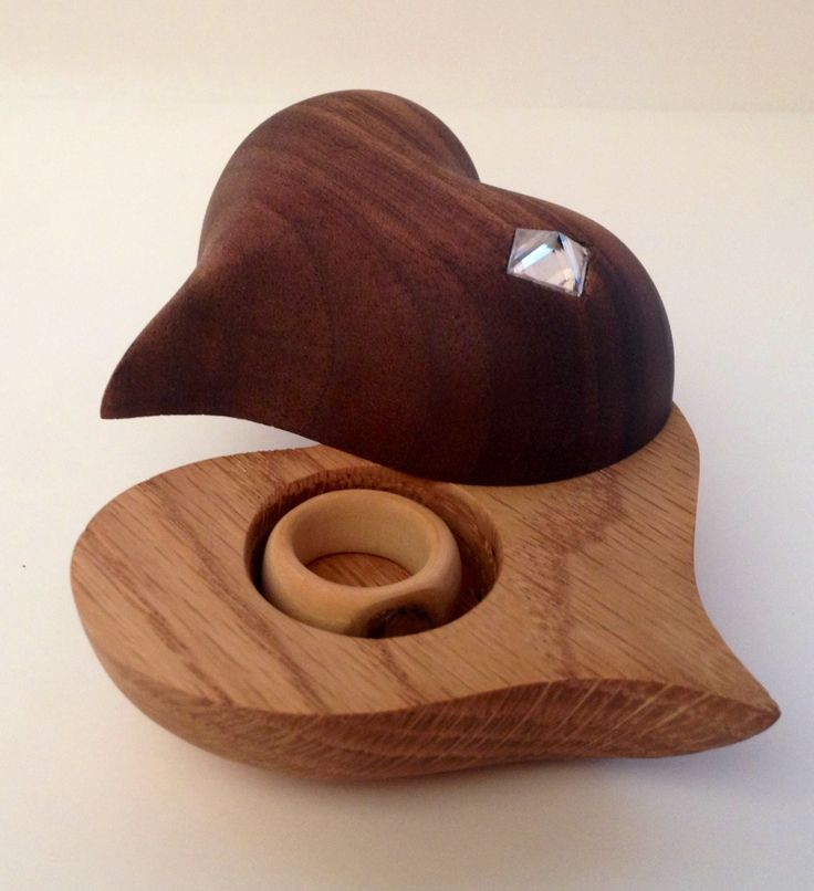 Heart gift box with wooden ring