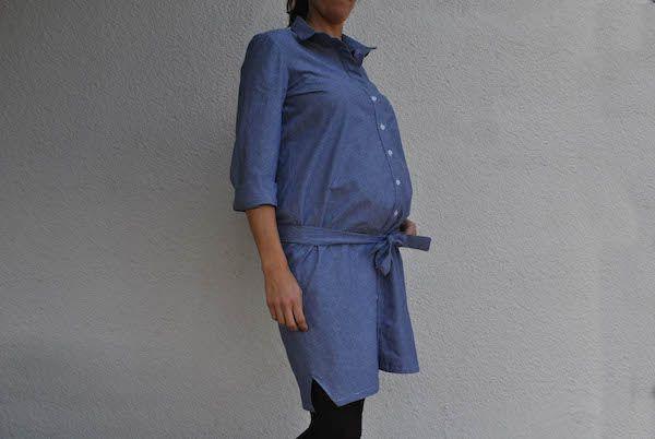 Robe en jean d'après le patron de la chemise Johanna de république du chiffon