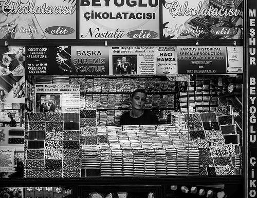 Istanbul № 10 - Chocolate Seller, Taksim