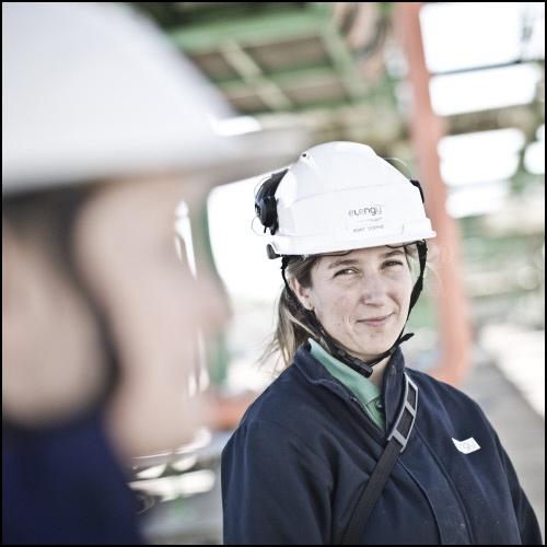 Portrait de Anne-Sophie Guihard, chargée de prévention sécurité Terminal Méthanier Montoir de Bretagne Elengy #Metier Découvrez nos objectifs pour une meilleure diversité en entreprise en cliquant sur l'image