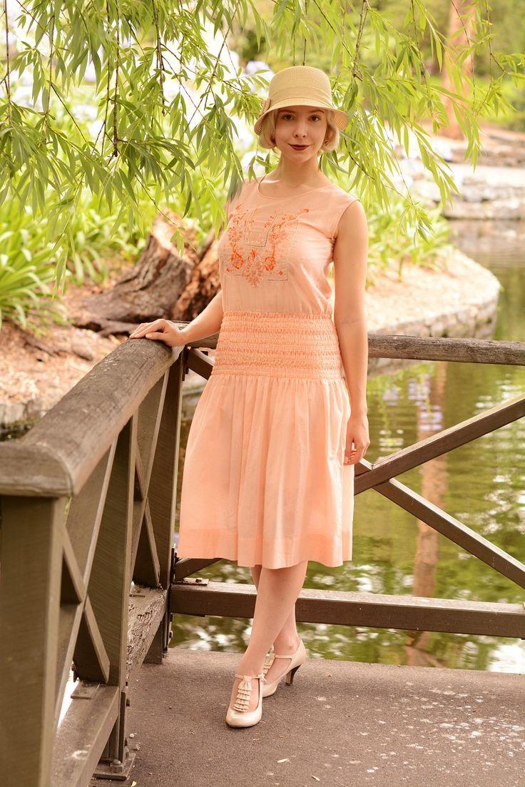 1920s dress by Unique Vintage #uniquevintage  http://www.deco-darling.com