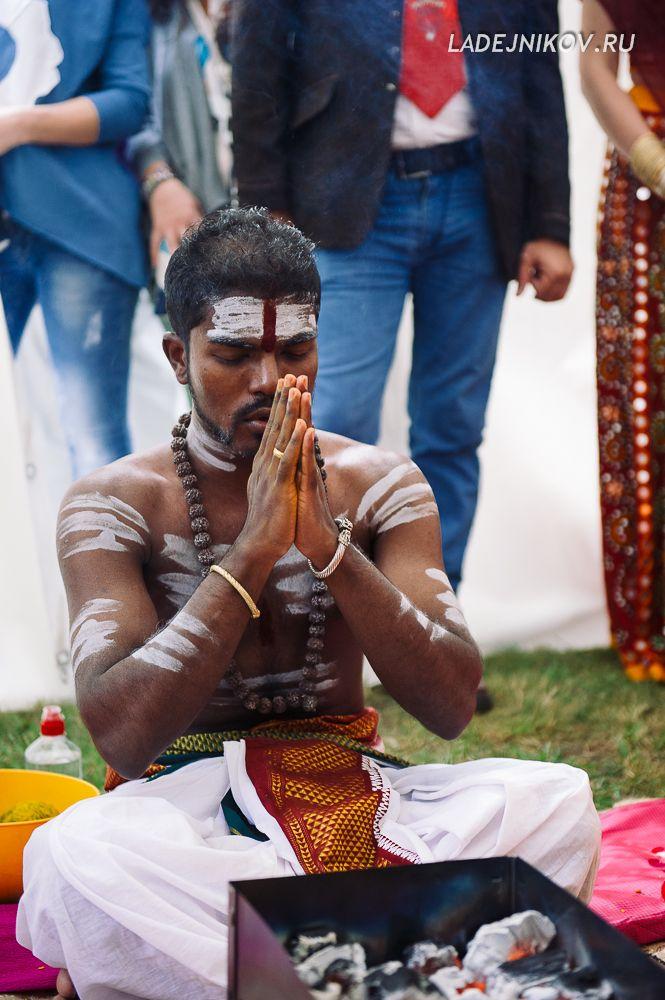 Индийская свадебная церемония. #фотограф на свадьбу Все фотографии с этой #свадьбы смотрите здесь http://ladejnikov.ru/?p=434