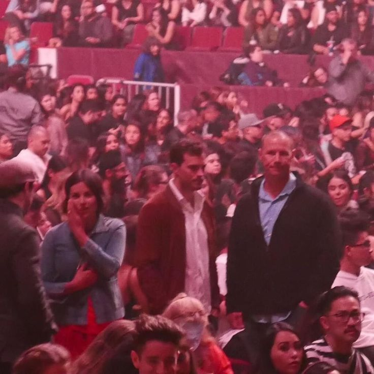 Jamie Dornan & wife Amelia (Millie) Warner at the Rihanna concert in Vancouver on April 23, 2016 http://everythingjamiedornan.com/gallery/thumbnails.php?album=235