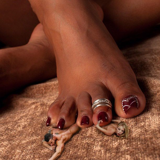 Ebony Feet Crush 38
