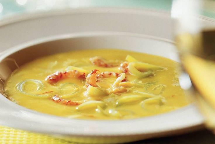 Kijk wat een lekker recept ik heb gevonden op Allerhande! Saffraancrème-soep met rivierkreeftjes