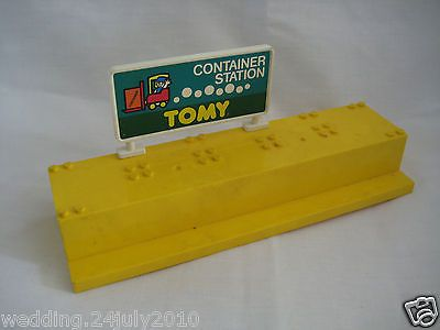 ✿ tomy lego thomas train #track ##trackmaster station #platform container sign s,  View more on the LINK: 	http://www.zeppy.io/product/gb/2/261537273926/