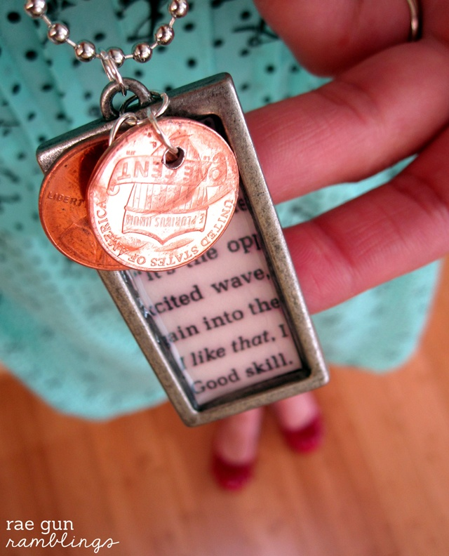 Penny Necklace Tutorial would be super sweet using pennies for the year kiddos were born to give as a mother's day gift.