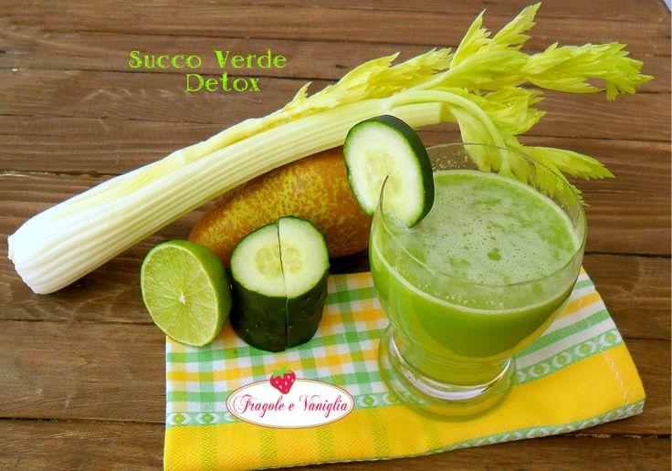 Succo verde detox: una ricetta depurativa per l'organismo, dal gusto piacevole e rinfrescante, preparato col mio estrattore Micro Juicer Philips.