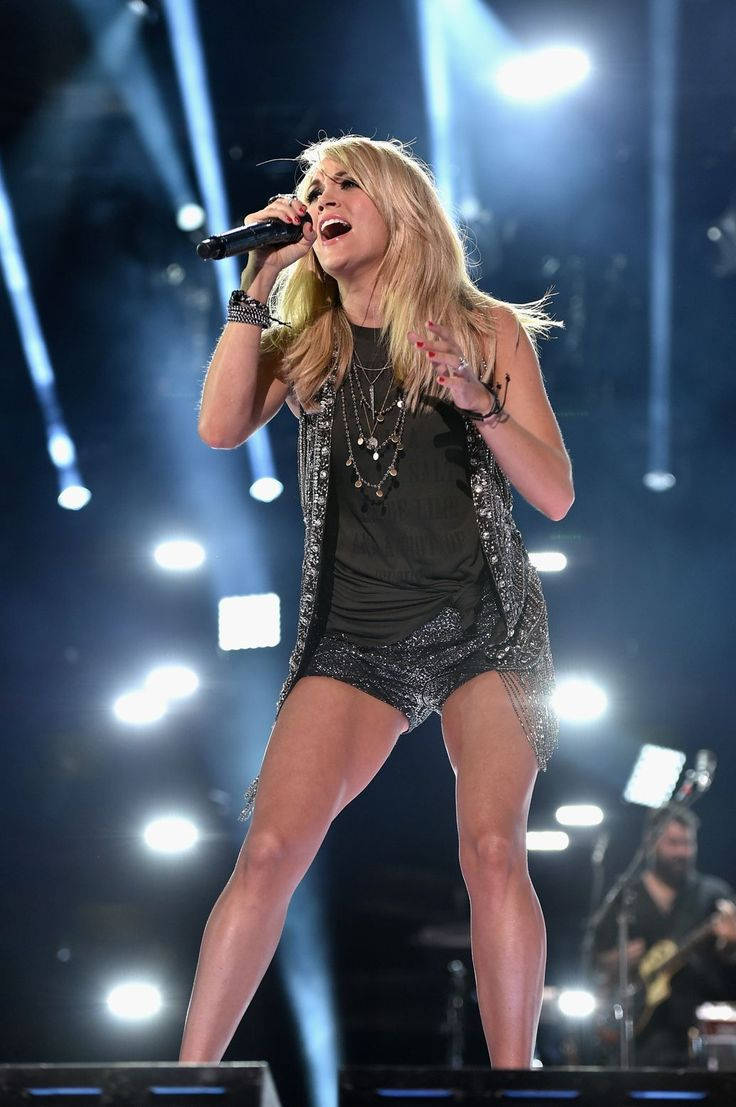 Carrie Underwood to Return for 'Sunday Night Football' Theme