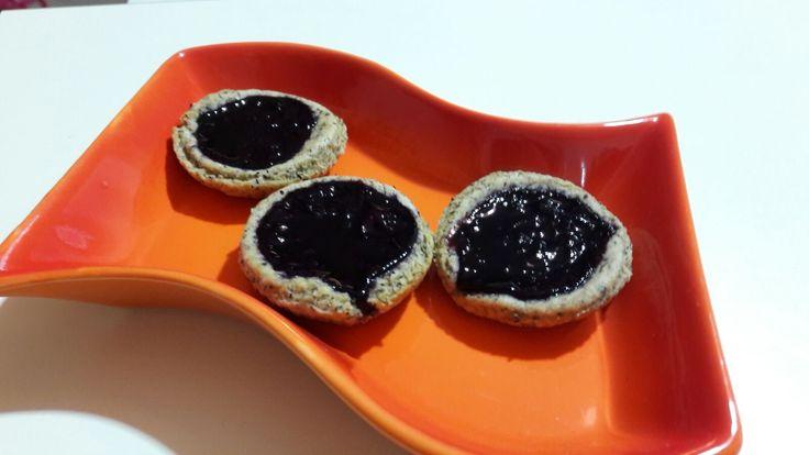 Oggi propongo un dolcetto ideale per tutta la famiglia. I cestini alla marmellata sono perfetti per una colazione o merenda sana ma molto gustosa