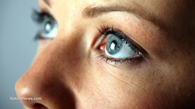 Top foods and drinks that offer dry eye relief. http://www.naturalnews.com/045668_dry_eyes_hydration_electrolyte_balance.html