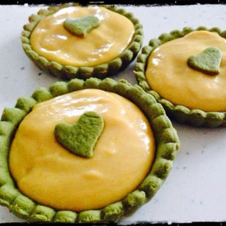 Per un amore multietnico tra il te verde giapponese e la famosa crema al limone made in UK... un sapore particolare ma senza dubbio dolce e gustoso..   ( una ricetta di Sugar Queen )