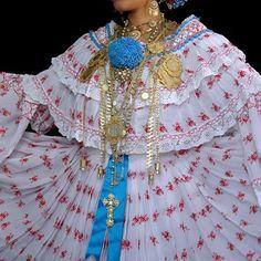 (507) 6843-7119 Pollera de coquito.  Cotiza con nosotros, sin compromiso #pollera #montuno #zaraza #tembleque #cutarra #Panama #folklore #basquiña #vestidosestilizados #camisola #camisa #camisilla #coleta #babucha #cutarradecolores #vestidostipicos #sombrero #tonosieña #cebadera y más en tu tienda típica #fiestaspatrias #desfilespatrios