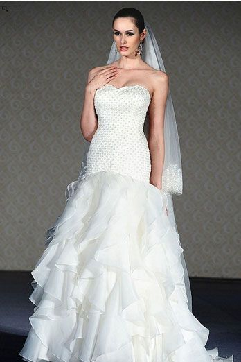 Saison Blanche Wedding Gown - Boutique Collection - Style #B3115