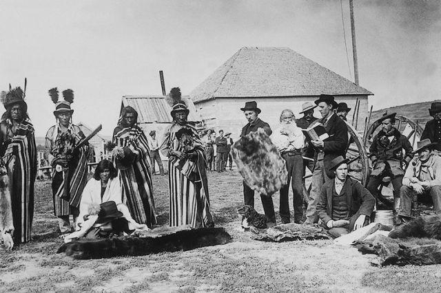 Amazing Black & White Photos of American Pioneers ~ Fur traders?