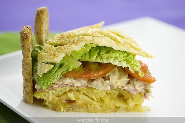 Charlota de pastel de tortilla by webos fritos, via Flickr