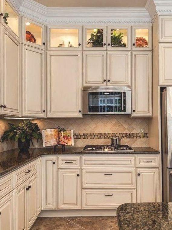 10 Antique White Kitchen Cabinets That Jazz Your Kitchen Up Whitekitchencabinet Antique White Kitchen Cabinets Kitchen Cabinet Design Antique White Kitchen