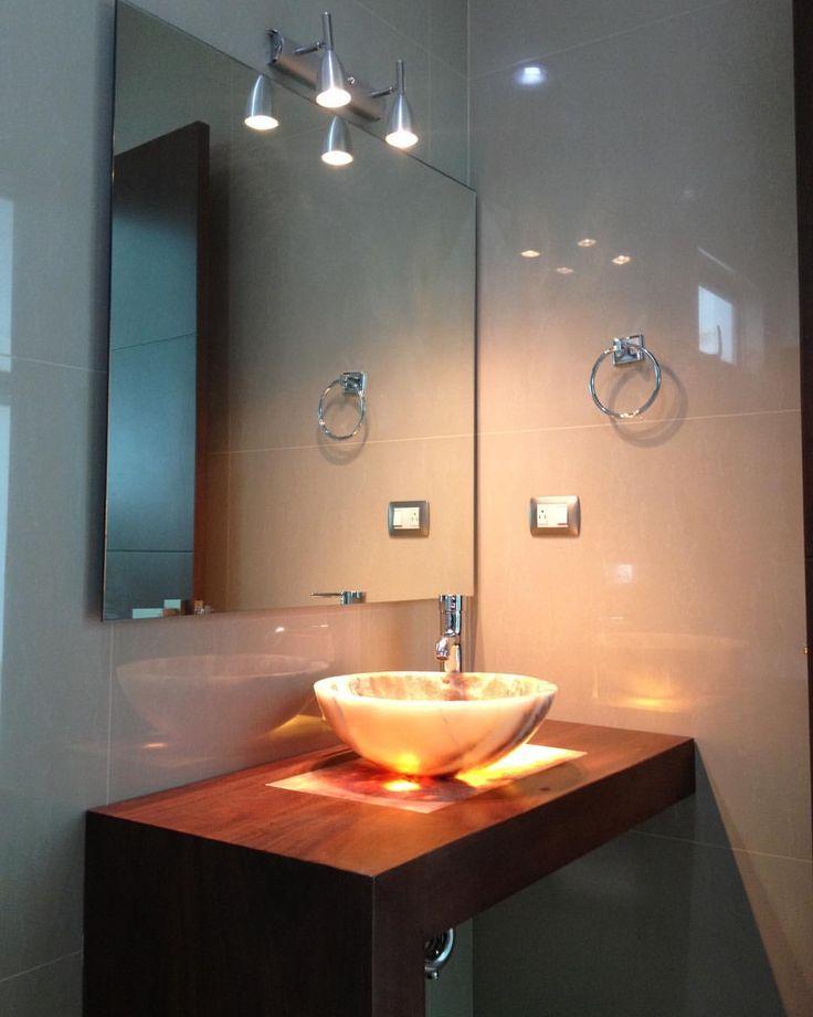 """27 Likes, 1 Comments - Arq. José luis Gutierrez R. (@josegutierrezarq) on Instagram: """"Imagínate el baño de vistas de tu casa como el de esta fotografía, tú también puedes tenerlo. Solo…"""""""