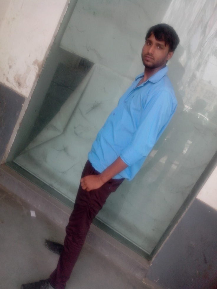 don't gaze me girls......otherwise u'll fall in love with me...............