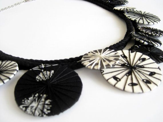 Verklaring stof ketting zwart witte ketting textiel door LENNYshop