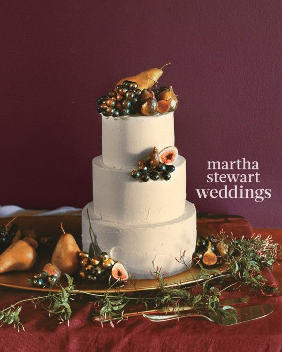 For the Nasty Gal founder's wedding, Sheila Mae adorned a rose-water-scented cake with Bosc pears, mission figs, and black grapes dusted with edible gold.