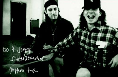 sadejude:  Jimmy Chamberlin with Eddie Vedder during the Red Hot Chili Peppers Tour in 1991.