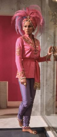 Vesper Lynd Fancy dress 007 James Bond costume ideas