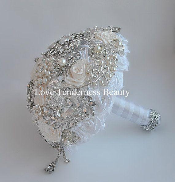Bianco avorio Wedding Bouquet spilla Bouquet di LoveBouquet