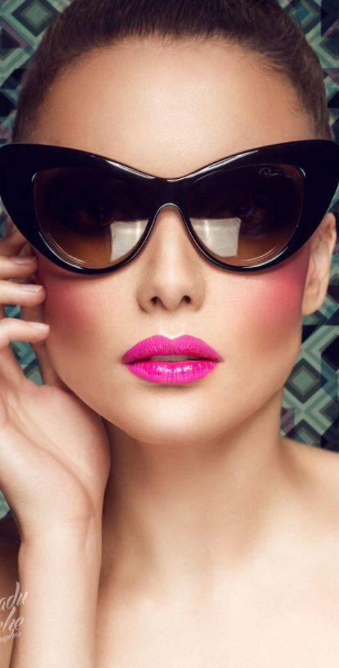 Fashion Makeup | color Desire MAGENTA | Rosamaria G Frangini | via Vanda