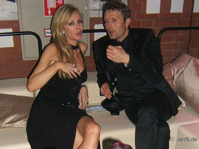 mads mikkelsen, ludger pistor, gedeon burkhard + indira weis bei der party für casino royale: Foto 33